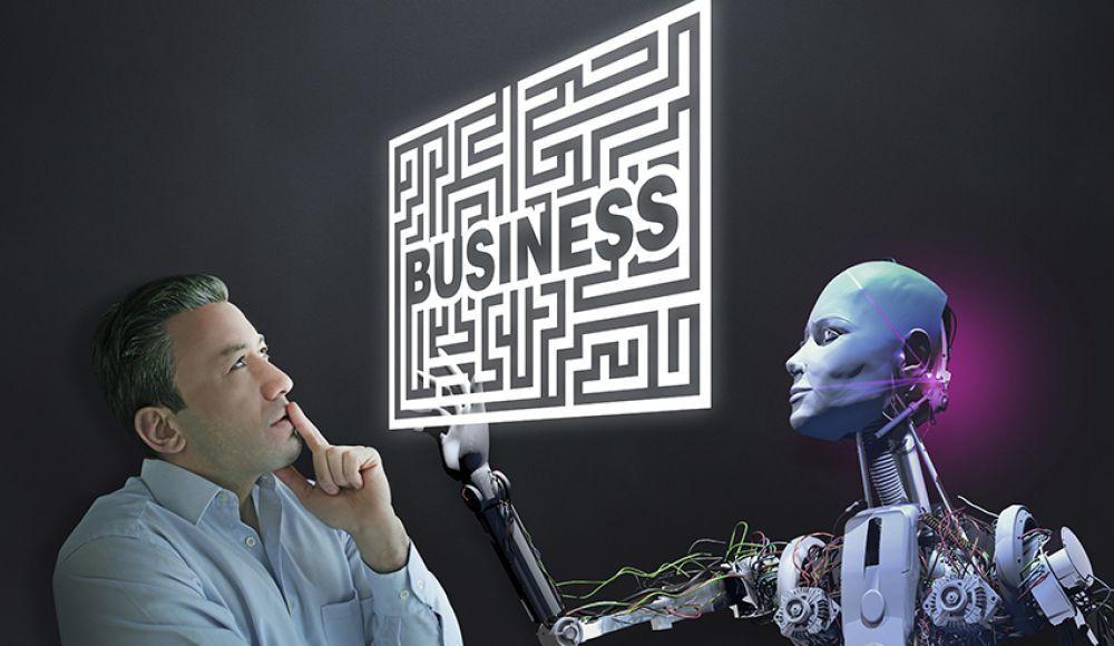 """Mann überlegend vor Labyrinth mit Schriftzug """"Business"""". Gegenüber Roboter, der"""